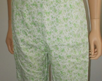 Shorts White Green Flowers Side Zipper High Waisted Lined