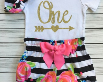 Girls 1st Birthday Onesie Outfit, Cake Smash Outfit, Bloomers, Knot Bow Headband, One Gold with Arrow Carters Onesie, Black and Pink Floral