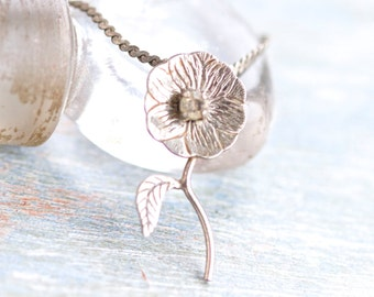 Dark Silver Flower Necklace - Dainty Daisy on Flat Chain
