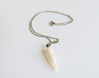 Agate Carved Horn Vintage Necklace on Silver Tone Chain