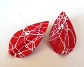 Vintage Enameled Pierced Earrings Red White Splatter Teardrop 80s (item 147)