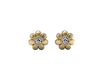 Diamond Flower Stud Earrings in solid gold | made to order for you within 5-7 business days