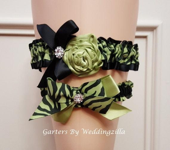 Animal Print Wedding Garter Set, APPLE  Green and BLACK Bridal Garter , Wedding Garter Belt, Tiger Print Wedding Garter