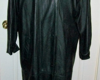 Vintage '80s Ladies Long Forest Green Leather Coat by Izzi Large Only 18 USD