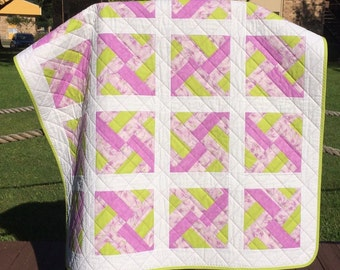 """A Perfect Pairing of Lavender and Lime Green In This 40"""" X 40"""" Ultra Modern Design Quilt"""