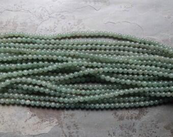 8mm Green Aventurine Polished Round Gemstone Beads, Half Strand (INDOC685)