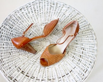 Vintage 70's Italian Caramel Woven Leather Heels Sz 7/7.5