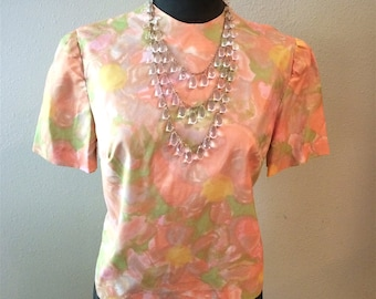 Mid Century Watercolor Floral Blouse with Back Buttons Size Sm