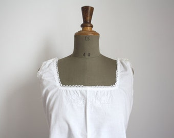 1900s italian cotton nightgown // Dress embroidered // Red initials L.M. // 04