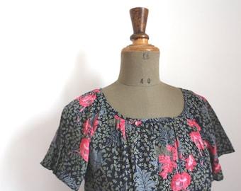 Vintage floral dress // Botanical print // 80s dress