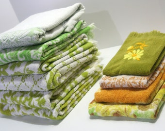 Vintage Mix and Match RETRO Towel Set Reversible GREEN Yellow Chartreuse White bath towel Cannon Fieldcrest hand towels 10 pieces Camper RV
