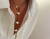Pearl Pendant Necklace, Short Pearl Necklace, Leather Pearl jewlery, Bohemian Lariat