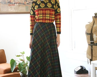 Closing SALE Vintage Pleated Maxi Skirt Checkered Primary Color Black