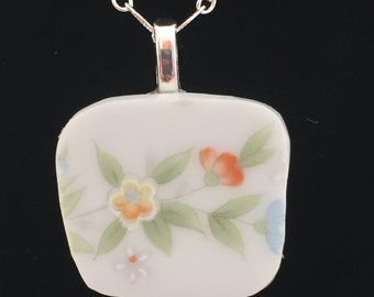 Exquisite Small Broken China Floral Pattern Necklace