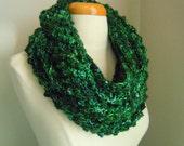 Merino wool long cowl - Leaf