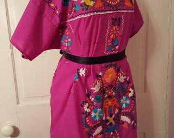 EMBROIDERED FLORAL DRESS // Bohemian Hippie Peasant Caftan Kaftan Boho One Size Music Festival Cover Up Kimono Plus Mexico Colorful