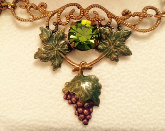 Sadie Green GRAPEVINE and GREEN CRYSTAL Necklace