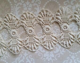 8 Antique Ivory Lace Art Deco Appliques
