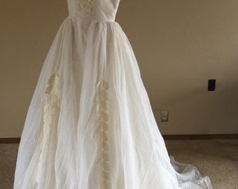 60s Leaf Lace Organza Wedding Gown