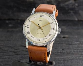 Vintage men's watch, Vintage Pobeda watch, vintage russian mechanical mens watch, men's wrist watch