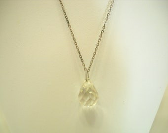 Vintage Faceted Crystal Pendant Necklace (8329)