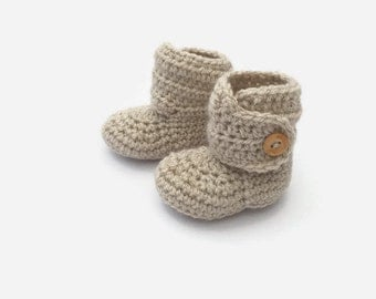 crochet baby booties, cream bootees,  unisex baby shoes, baby button boots
