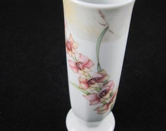 Noritake Yuriko Takata Cyclamen Bud Vase Porcelain Artist Signed Made in the Philippines