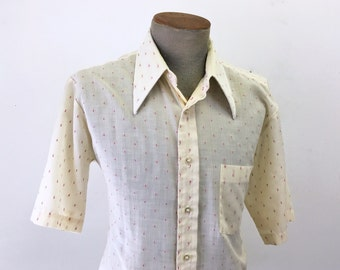 1960s Vintage Men's Short Sleeve Cream Color Cotton Blend Shirt with Woven red threads Mad Men Era - Size LARGE