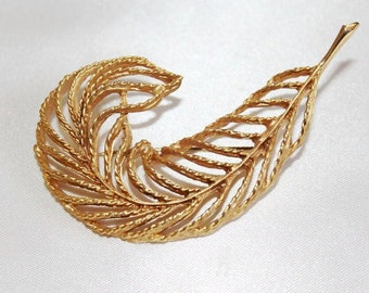 SALE! Luscious Stunning Vintage Designer Runway Couture Textured Cut Out Large LEAF Brooch BU