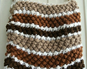 Vintage shopping lined handbag tote - Knitted with wooden handles: brown and white
