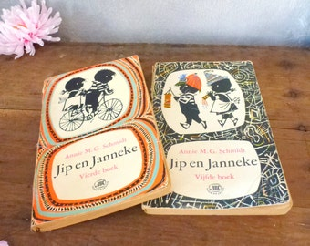 Jip en Janneke- book on the left with red front