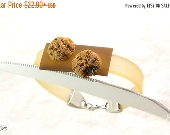 SALE - Chocolate Chip Cookie Bracelet, Miniature Food, Cookie Jewelry, Chocolate Chip Bracelet, Polymer Clay Food, Kawaii Jewelry, Foodie gi
