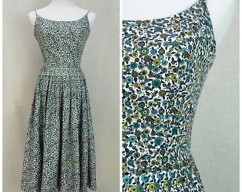 Vintage 50's Floral Sundress ~ Sz 6 ~ Oh So Flattering