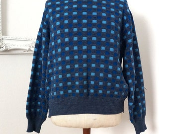 Vintage Gray and Blue Geometric Acrylic Crew Neck Sweater Men Sz Large