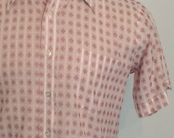 Vintage MENS 60s-70s Tops All red & white short sleeve shirt, size M