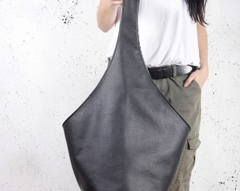 Short Boogi bag black hobo crossbody oversized large tote shoulder boho chic minimalist hippie vegan purse faux leather with zipper pockets