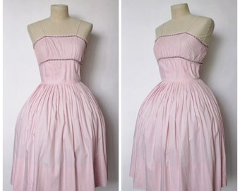 Vintage 1950s Dress | 50s Full Skirt Dress | Light Pink Dress | Pale Pink Shelf Bust Dress | XS