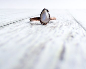 Rainbow moonstone ring | June Birthstone ring | Tiny moonstone stacking ring | Electroformed Birthstone jewelry | Organic stone jewelry