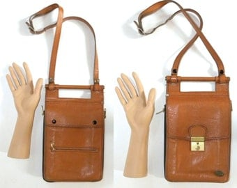1970s 80s Organizer Purse / Leather / career / classic / chic / Vintage handbag / shoulder bag / British Tan / Men / Women