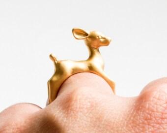 Deer ring gold