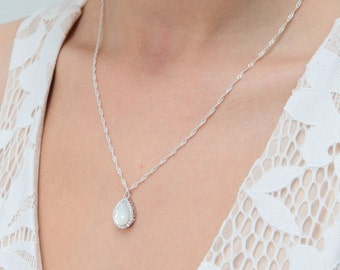 Pearl crystal drop pendant necklace winter Wedding Jewelry Bridesmaid Gift Bridesmaid Jewelry Bridal Jewelry Mother gifts gift for mom wife