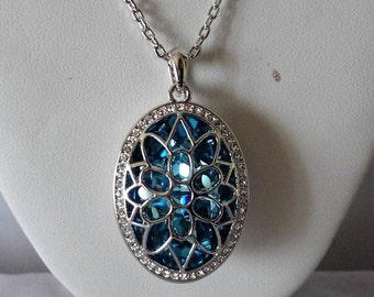 Exquisite BlueTopaz Swarovski Crystals Silvertone Pendant**********.