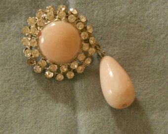 Rhinestone Brooch, Pale Pink with a matching side drop. (298)