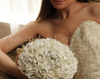Iva, Off White Unique Button Bridal Bouquet
