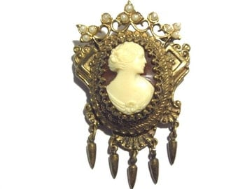 Vintage Victorian Style Cameo Brooch Estate Jewelry
