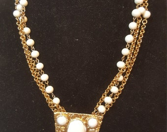 FREE  SHIPPING   Vintage Runway Gold Necklace