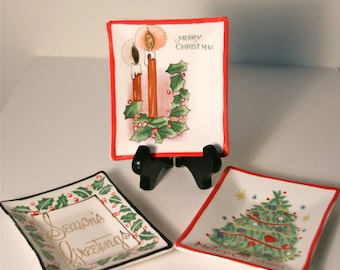 Cute Vintage 1950's Christmas Bridge Nut Dishes, Set of 3 Nut or Candy Dishes, Christmas Theme, Season's Greetings. Merry Christmas