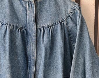M Casual Club 1980s Women's Jeans Jacket Medium Stonewashed Denim Dolman Batwing Sleeve Pretty Shirring Detail Standup Cafe Racer Collar APV