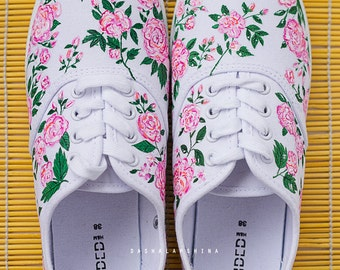 Hand painted Women Canvas Shoes, white sneakers with pink flowers: Rosarium