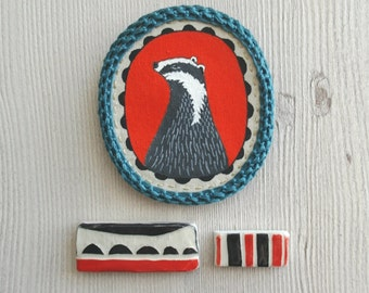 Animal brooch, badger brooch, textile jewelry, animal jewelry, hand painted broach, badger pin, animal badge, crochet brooch pin, scarf pin